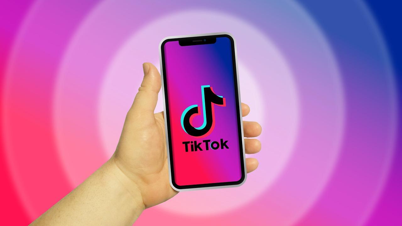 Especialistes en TikTok a Andorra - Manual per entendre què és TikTok i per què els teus fills estan enganxats