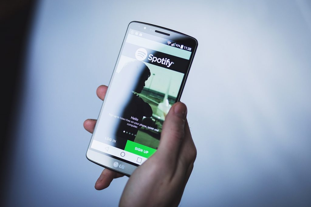 Facebook ha ampliat la seva associació amb Spotify, una excel·lent notícia ara es podrà compartir i escoltar pistes de música completes i episodis de podcast directament a Facebook