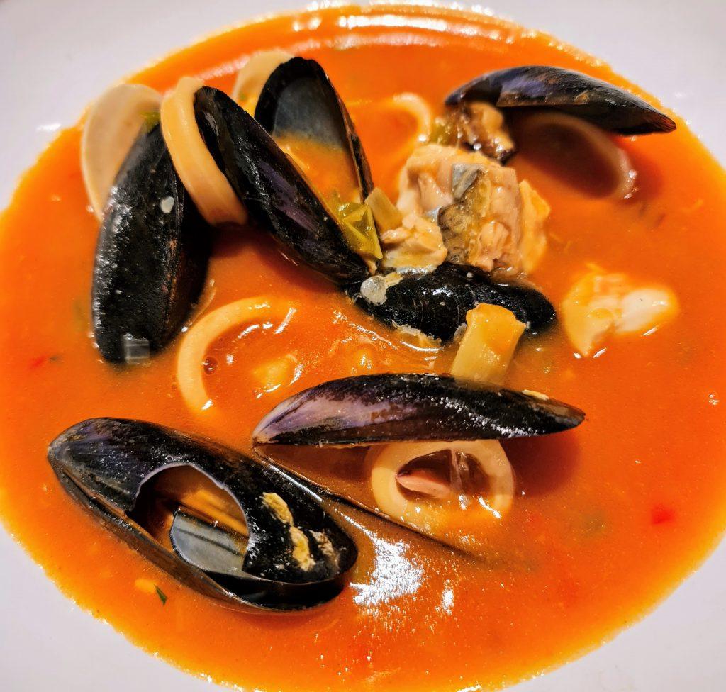 """La sopa marinera del KRAM es un plato que debemos poner en la lista de prioridades. Sopa marinera parecida a una bullabesa o a un """"suquet"""" pero algo más densa."""